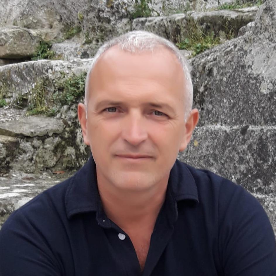 Portrait Hervé Tidona